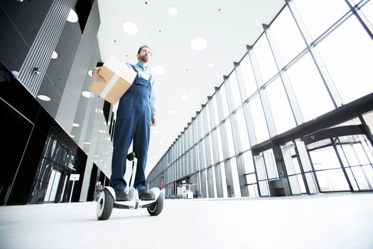 Digitalisasi logistik Adrena